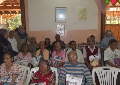 Islamiyat Students visit Oldage Home